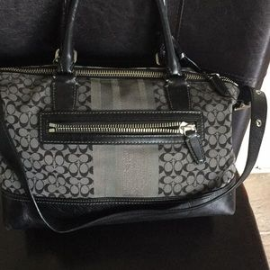 Coach Bags - Coach shoulder bag
